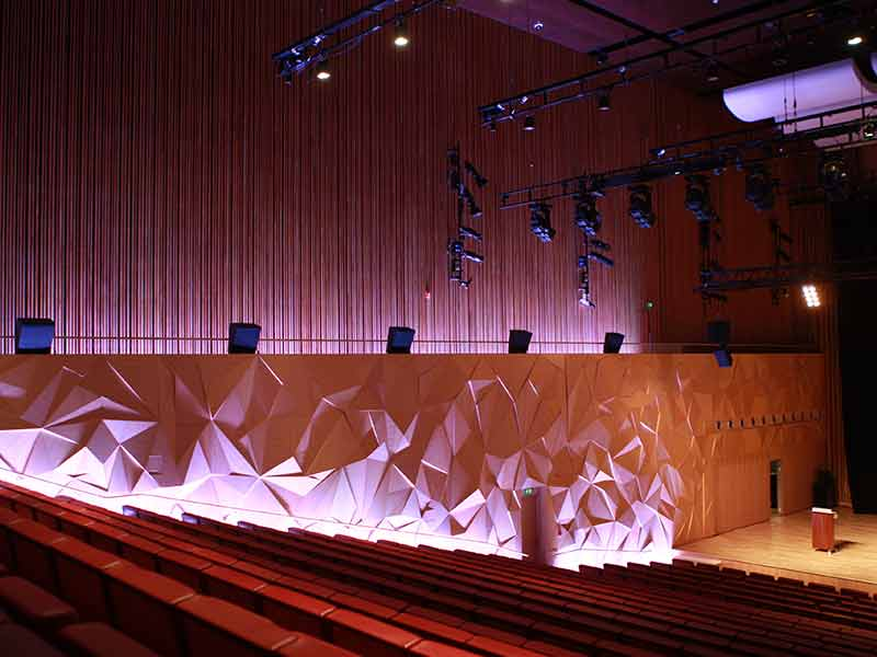 Acoustic 3d wall in auditorium