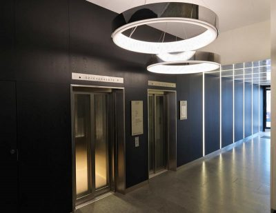 Wall panels with integrated lighting