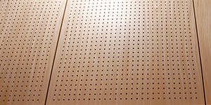 Lacquered veneer on acoustic panel