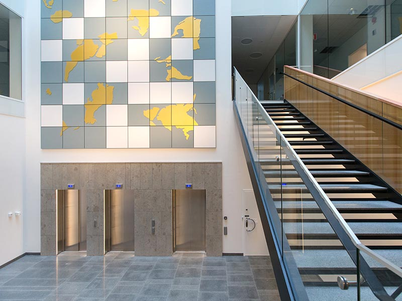 Atrium design with wall panels