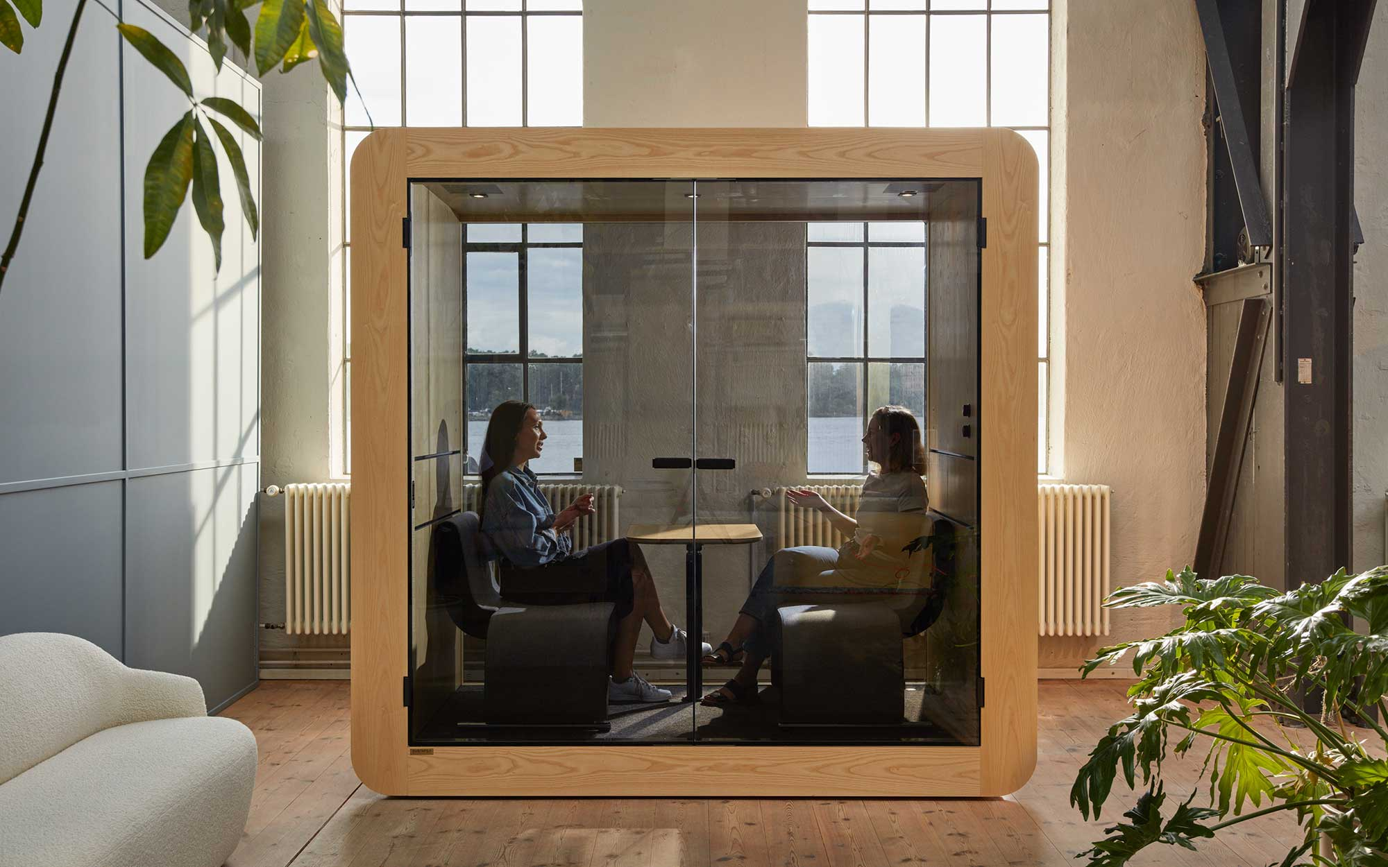 Office meeting pod for up to four people