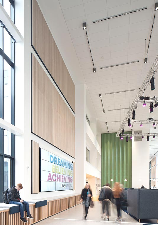 Flexible learning environments at the street building